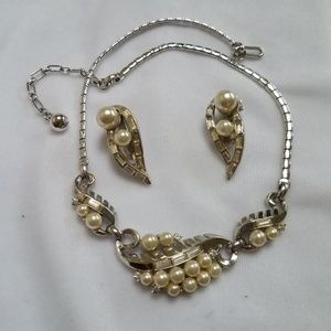 VTG Trifari Silver/Pearl Necklace + ERs